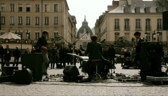 LA TERRE TREMBLE !!! Incruste aux Embellies de Rennes #6 (by What Comes Around ...Goes Around)